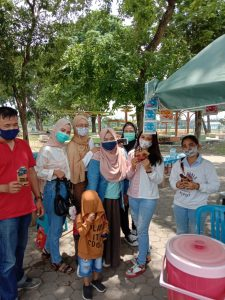 KPOPers Lampung berbagi Masker